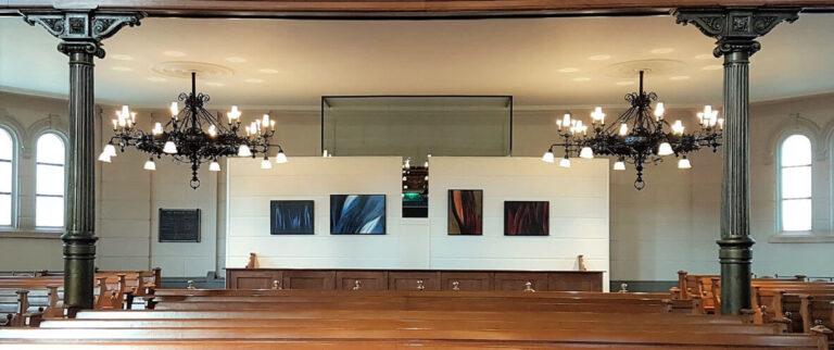 Expositie abstracte olieverfschilderijen